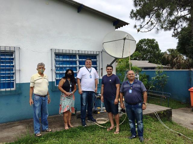Educação conectada chega à escola da zona rural em Iguape