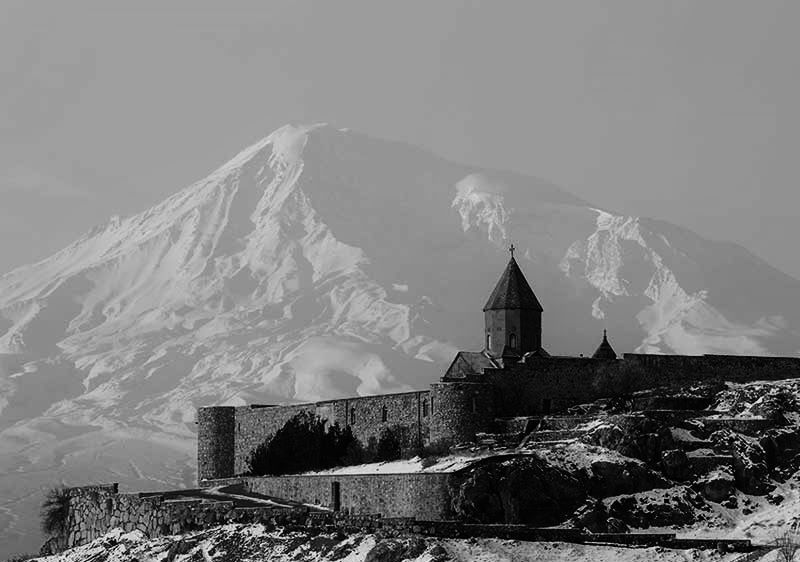 Ancient-Armenian-church-Khor-Virap-with-moutains-in-the-background