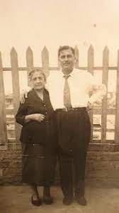 Mi abuela paterna: Angèlica Merino Heredia y mi padre, Jorge Aliaga Merino.
