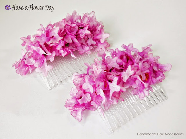Peineta con ramillete flores rosas · Comb with pink flowers