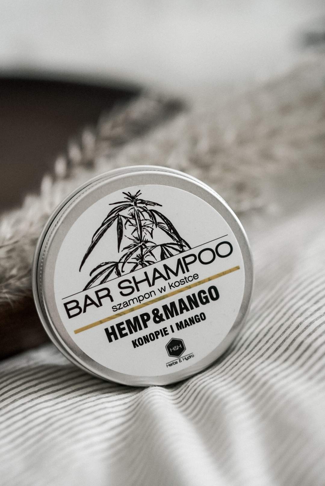 Herbs&Hydro -  Szampon w Kostce - Konopie i Mango - vegański szampon