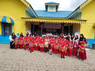 Kenalkan Sejarah Sejak Dini, TK Karimah Kunjungi Museum Batu Bara
