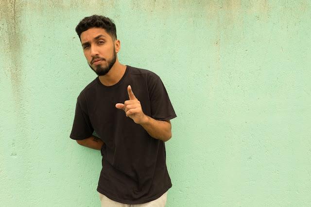 Rashid faz show do disco A Coragem da Luzno Sesc Pompeia