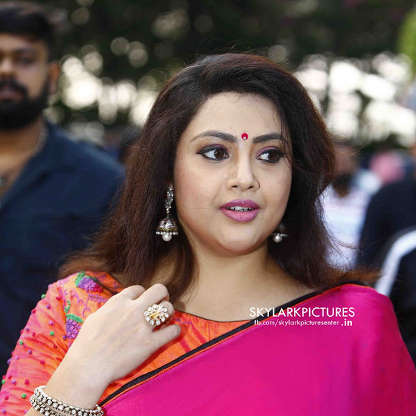 Meena latest photos from Munthirivallikal Thalirkkumbol Audio Launch