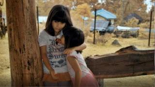 Anak Perempuan Pertama, Bahunya Harus Sekuat Baja, Hatinya Harus Setegar Karang