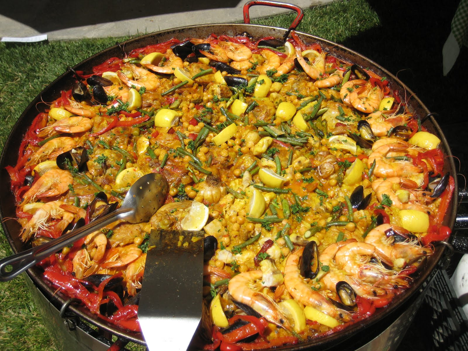 Paella with Throwdowns Bobby Flay and Gerard Nebesky
