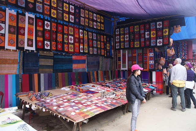 9 interesting experiences when participating in the Bac Ha highland market 3