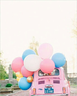 balloons pink and car