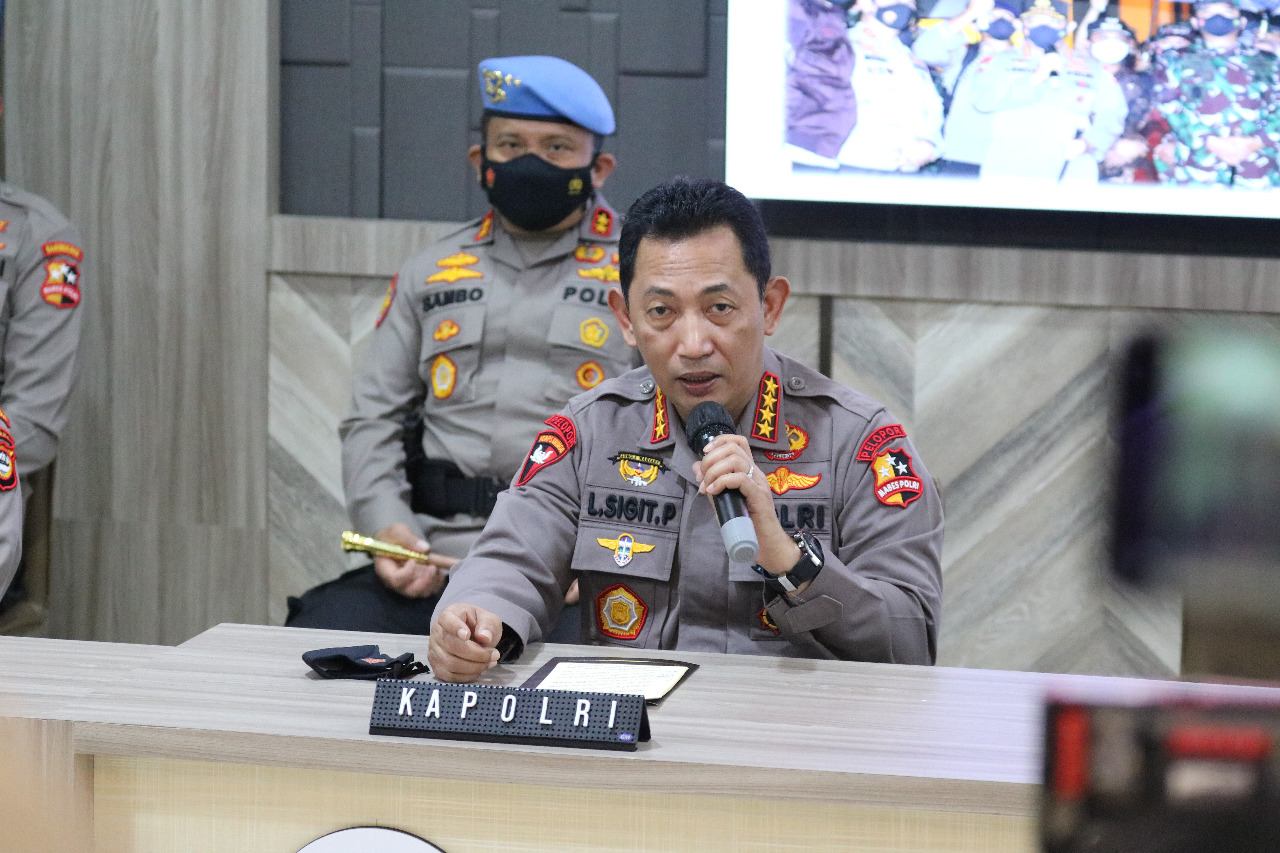 Polri Amankan 5 Bom Aktif Dan Tangkap 4 Terduga Teroris di Condet - Kabupaten Bekasi