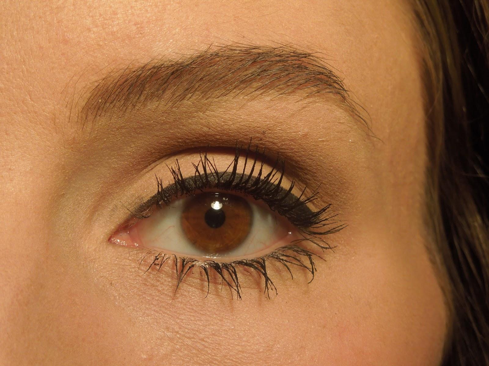 Steezy's Beauty Blog: Light Brown Smokey Eye - everyday look