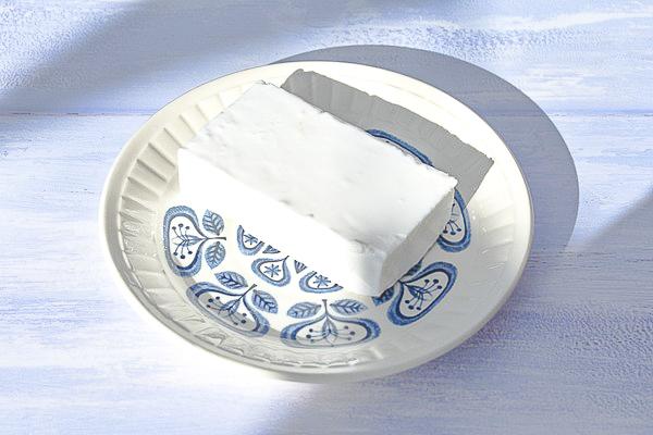 vegan feta on a teaplate