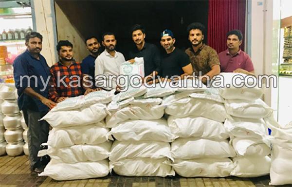 News, Kerala, Club members gave help for flood effected peoples in kudak