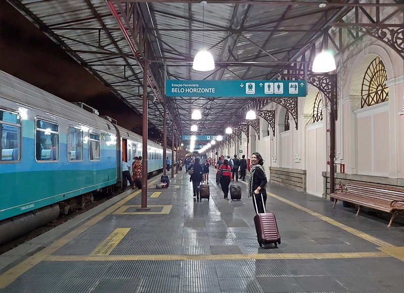 viagem de Trem Vitória Minas