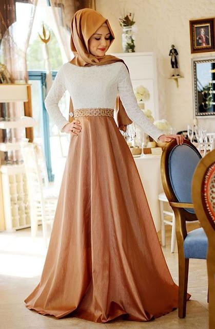فستان سهرة وسواريه للمحجبات باللون البني والابيض موديل 2020