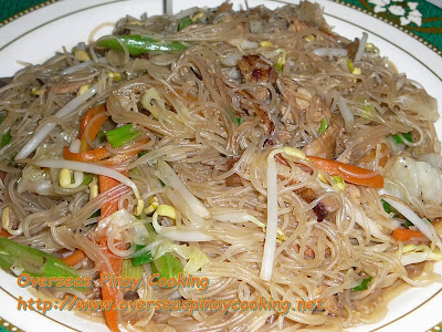 Pansit Sotanghon With Togue Guisado