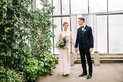 Sesja ślubna w oranżerii.