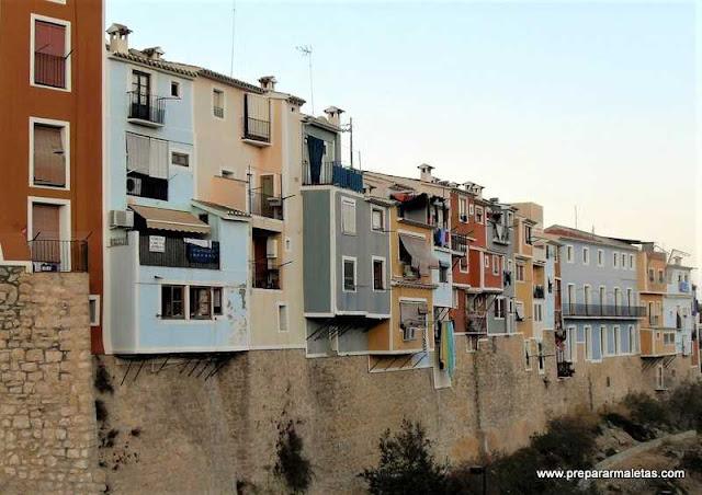 típicas casas de colores de Villajoyosa
