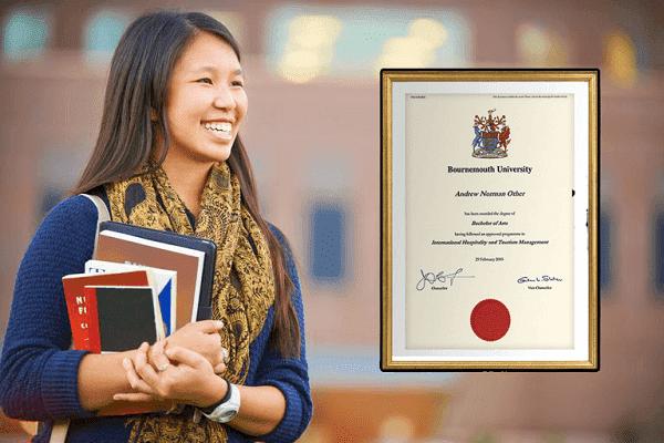 احصل من منزلك على شهادة جامعية من إحدى الجامعات البريطانية في مدينة بورنموث الساحلية
