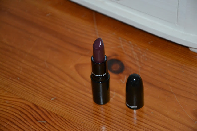 Review: MAC Lipstick in Dramatic Encounter