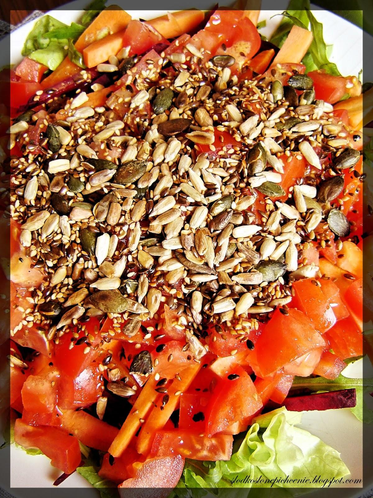 Sałatka z rukolą, burakiem i marchewką