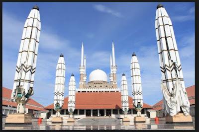 Masjid Termegah, Terbesar dan Termewah di Indonesia