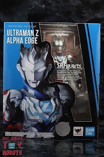 S.H. Figuarts Ultraman Z Alpha Edge Box 01