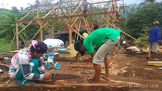 Budaya jhek-ngajek (gotong-royong) di pedesaan