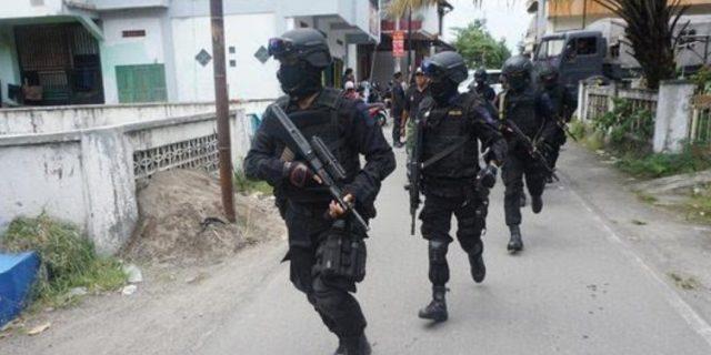 Densus 88 Tangkap Terduga Teroris di Berok Nipah, Padang