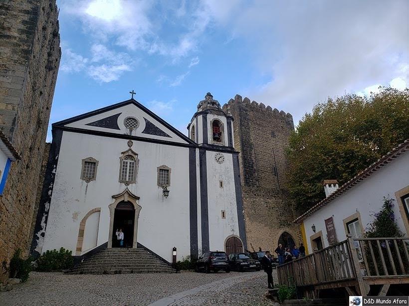 Igreja de São Tiago e Livraria - O que fazer em Óbidos