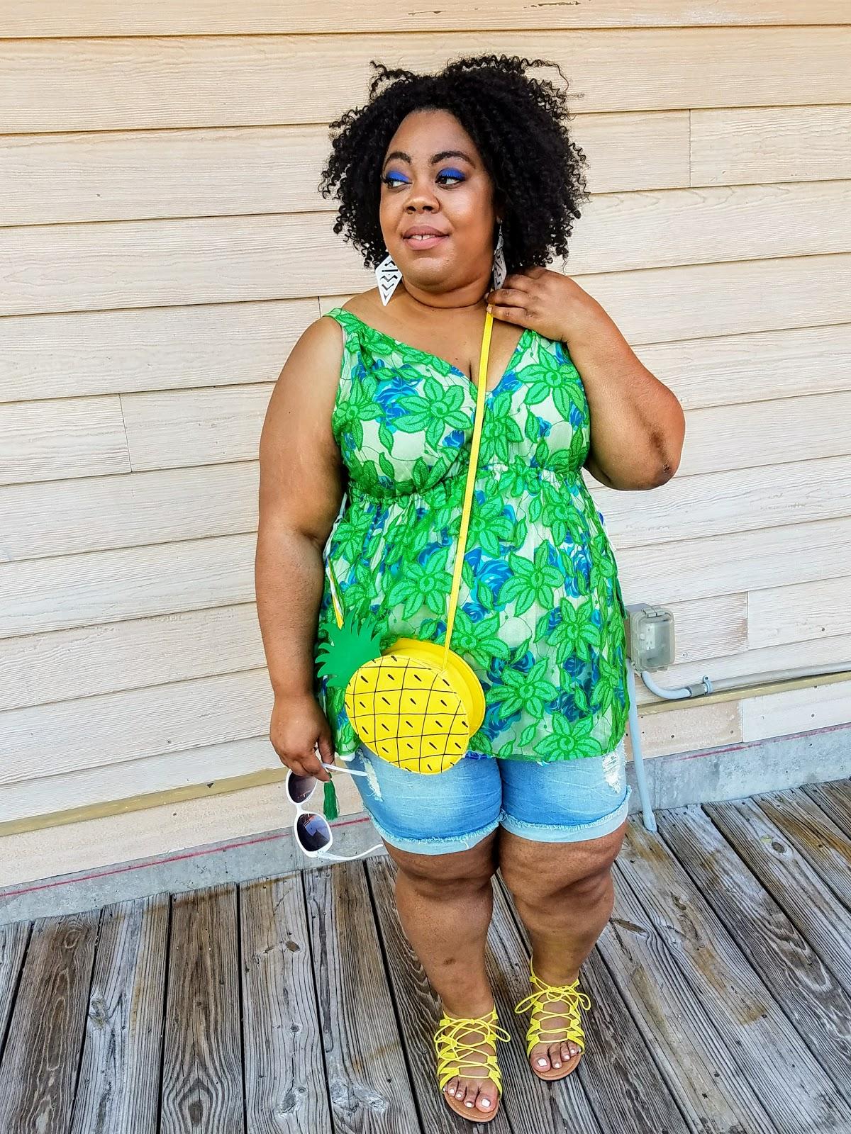 plus size, blogger, florals, shorts, sandals, crossbody purse, natural hair, bold makeup