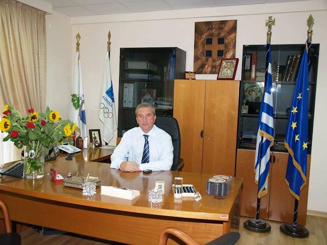 Ο Πρώην Δήμαρχος Σπύρος Κωνσταντάς καταγγέλλει από τον προσωπικό του λογαριασμό στο Facebook .