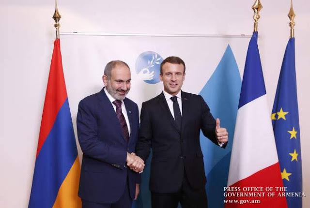 Pashinyan y Macron discuten relaciones en París