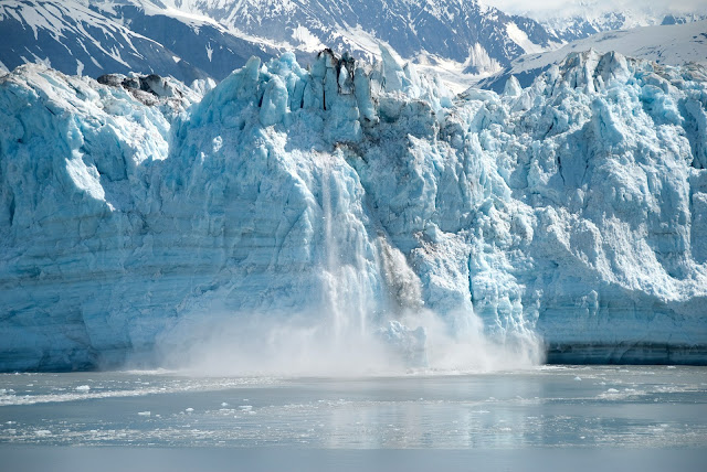 What makes Ice Melt fastest depends on its surrounding materials