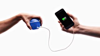 Необычная карманная динамо-машина с аккумулятором для смартфона!