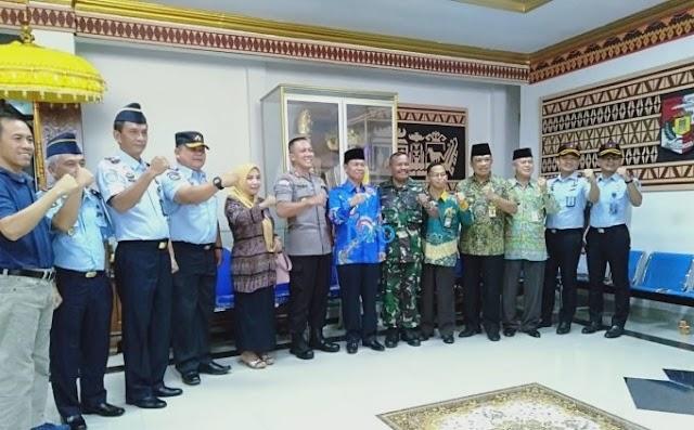 Plt, Bupati Lampung Utara Bersama Forkopinda Tandatangani Pembangunan Zona Integritas Menuju WBK dan WBBM