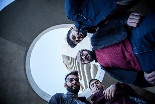 Escucha completo el más reciente trabajo de la banda Argentina Surikata Ki. Conocelos.