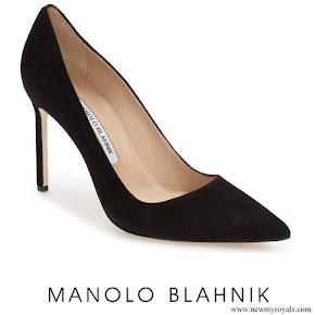 Meghan Markle wore Manolo Blahnik BB Pointy Toe Pumps in Black Suede