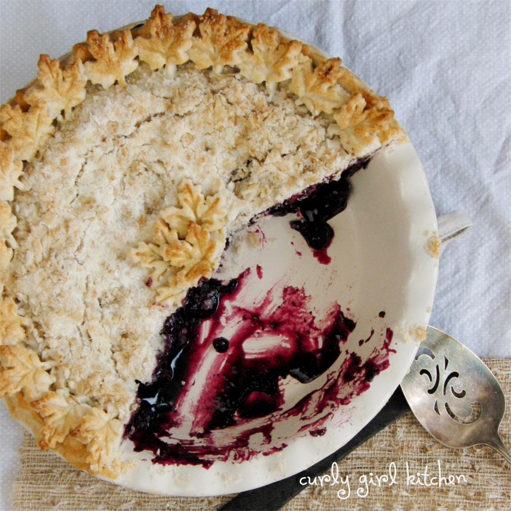 Blueberry Crumb Pie: Curly Girl Kitchen: Blueberry Crumb Pie For A Wintry Weekend