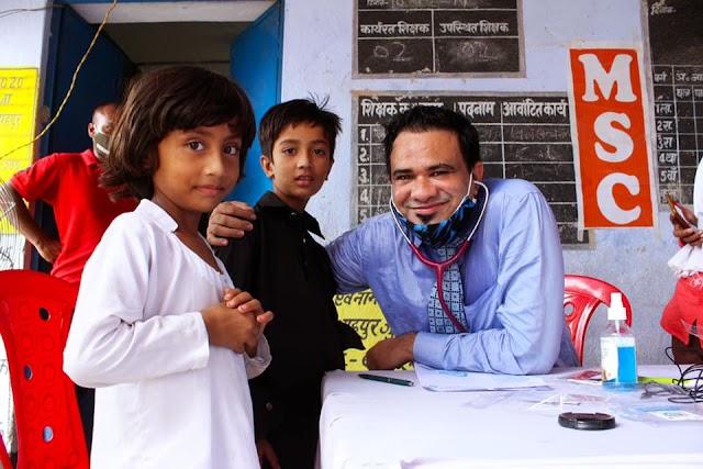 'পথেই চিকিৎসা': ফ্রি মেডিক্যাল ক্যাম্প করতে বাংলায় আসছেন ডা. কাফিল খান