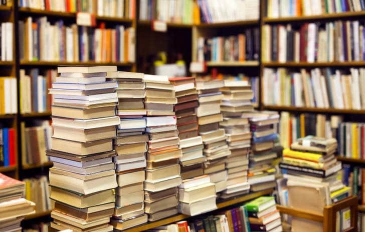 """"""" Livre à la Une"""" tous les mercredis sur www.eguensinfosculturelles.com"""