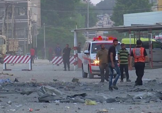 إقامة وقف هش لإطلاق النار بين إسرائيل وغزة ، بعد يوم واحد من القصف وقذائف الهاون