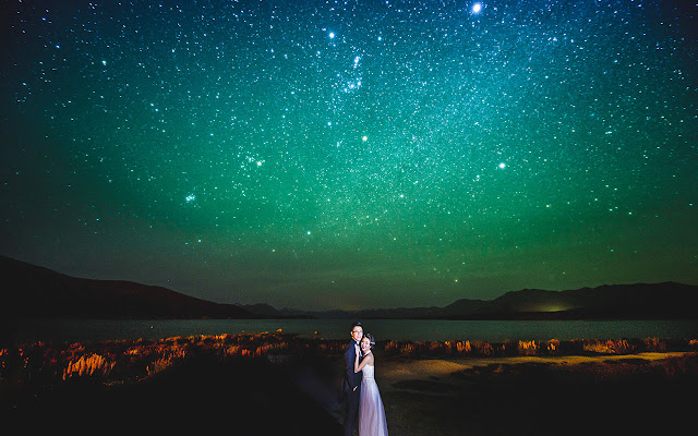 aurora at lake tekapo