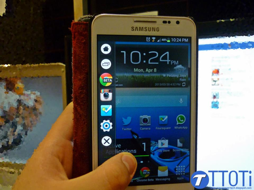 Samsung Galaxy Note running the Glovebox Launcher