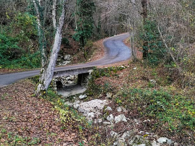Mostić  prema Obršu i ostalim selima