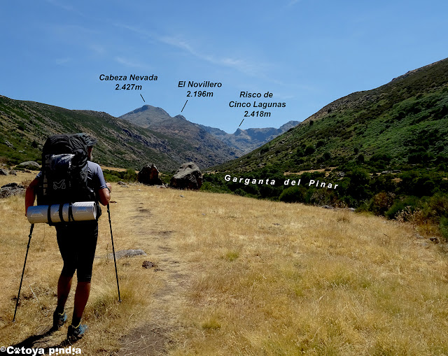 Garganta del Pinar en la subida a las Cinco Lagunas de la Sierra de Gredos.