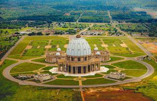 Basílica de Yamusukro, el San Pedro de África