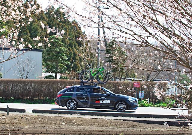 鹿屋体育大学のサポートカー メルセデスベンツ CLA シューティングブレークの写真