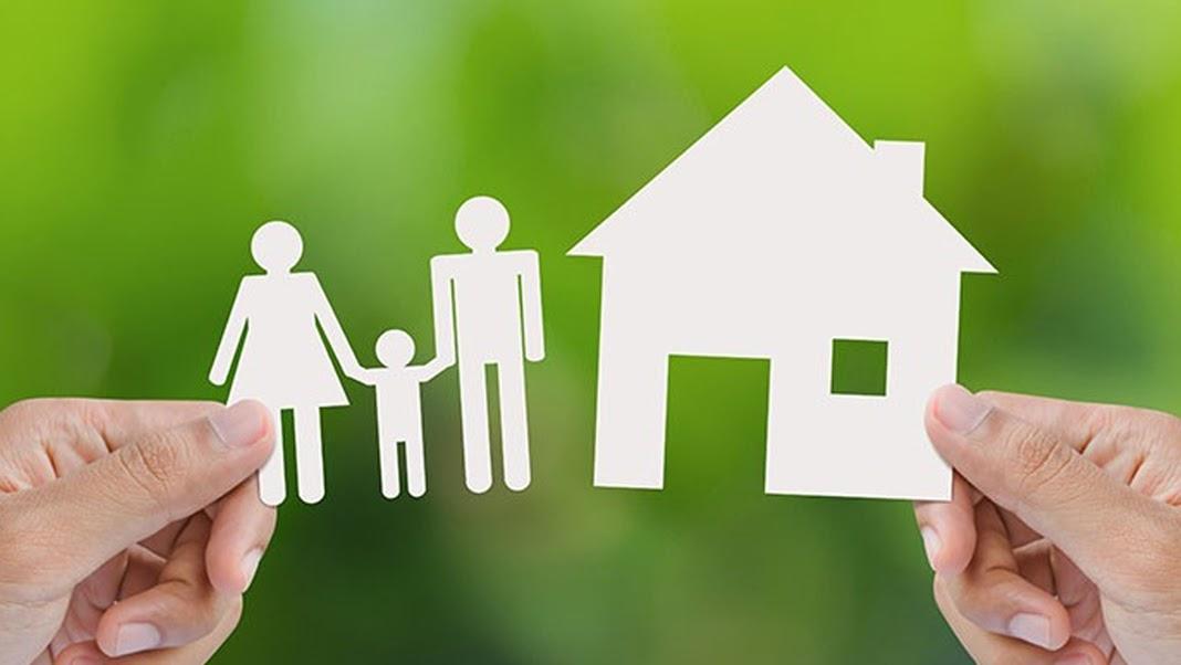 tinggal sendiri atau bersama orang tua