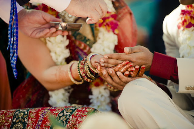american+indian+india+hindu+mixed+ethinic+multi+wedding+religious+christian+sari+bride+groom+orange+red+pink+outdoor+modern+unique+offbeat+green+henna+wedding+darshan+photography+15 - East Meets West