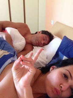 Jaromir Jagr Was Blackmailed With This Photo Of Him In Bed With An Year Old Woman Jpeg